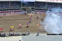 Canada 2017 - Stampede med rodeoshow, barrel race, truckwagon race, show, musik, opvisning