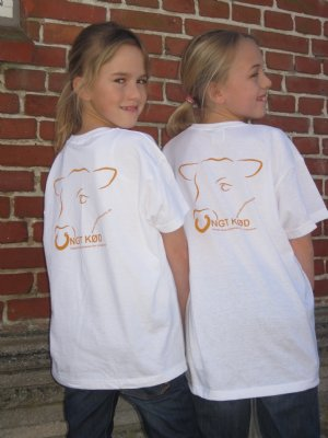"""salg af T-Shirt hvid """"Ungt Kød"""" til børn"""